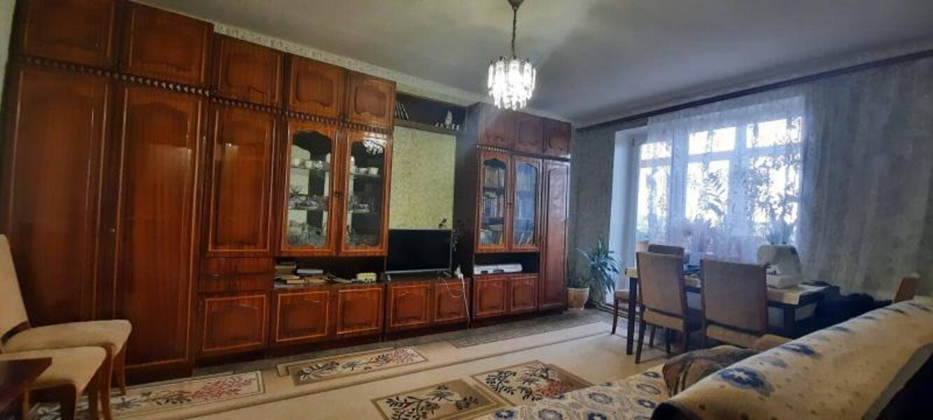 Купить 4-комнатная квартира, Малая Рогань, Школьная (Дзержинского), Харьковская область