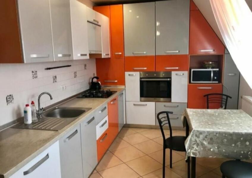 Купить 2-комнатная квартира, Чугуев, Аграрная пл. (Октября пл.), Харьковская область