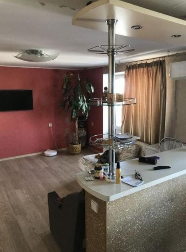 Квартира, 3-комн., Харьков, Госпром, Клочковская