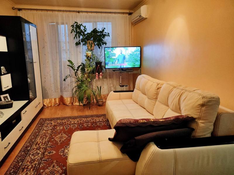Квартира, 1-комн., Харьков, Рогань жилмассив, Зубарева