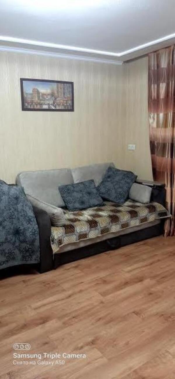 Квартира, 1-комн., Харьков, Рогань жилмассив, Роганская