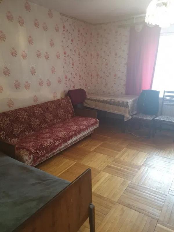 Квартира, 3-комн., Харьков, Завод Шевченко, Селянская (Совхозная, Пионера)