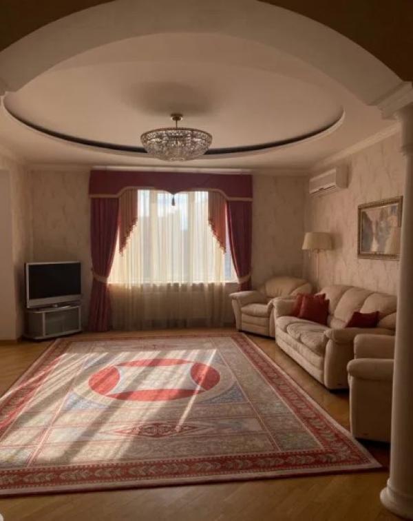 Квартира, 3-комн., Харьков, Госпром, Данилевского