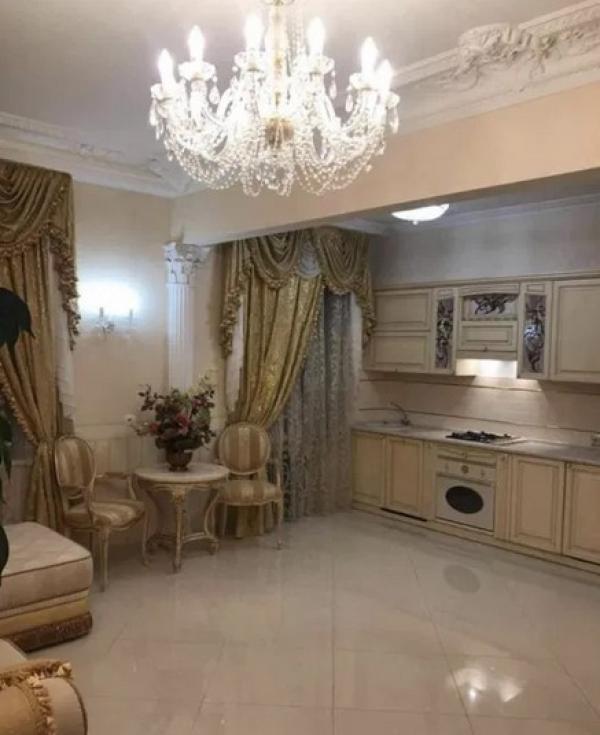 Купить 2-комнатная квартира, Харьков, Центр, Конституции пл.