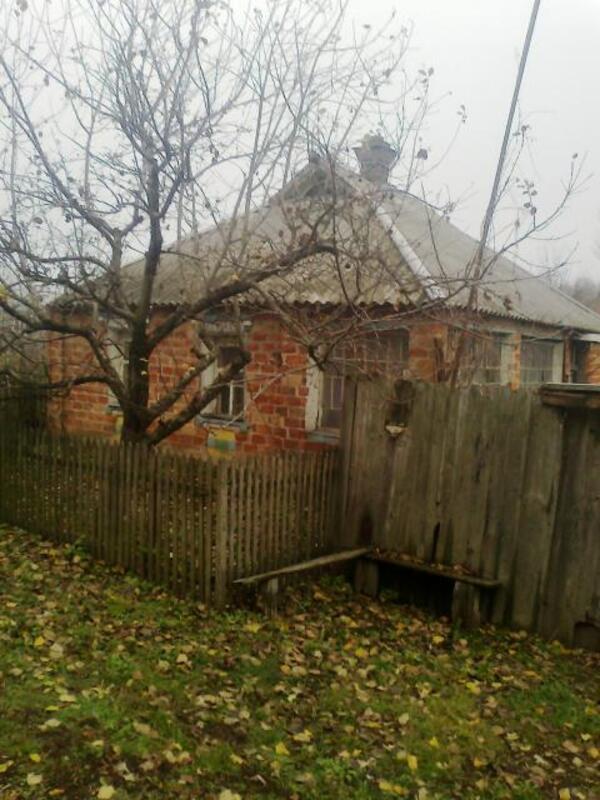 Дом, 2-комн., Лютовка, Золочевский район