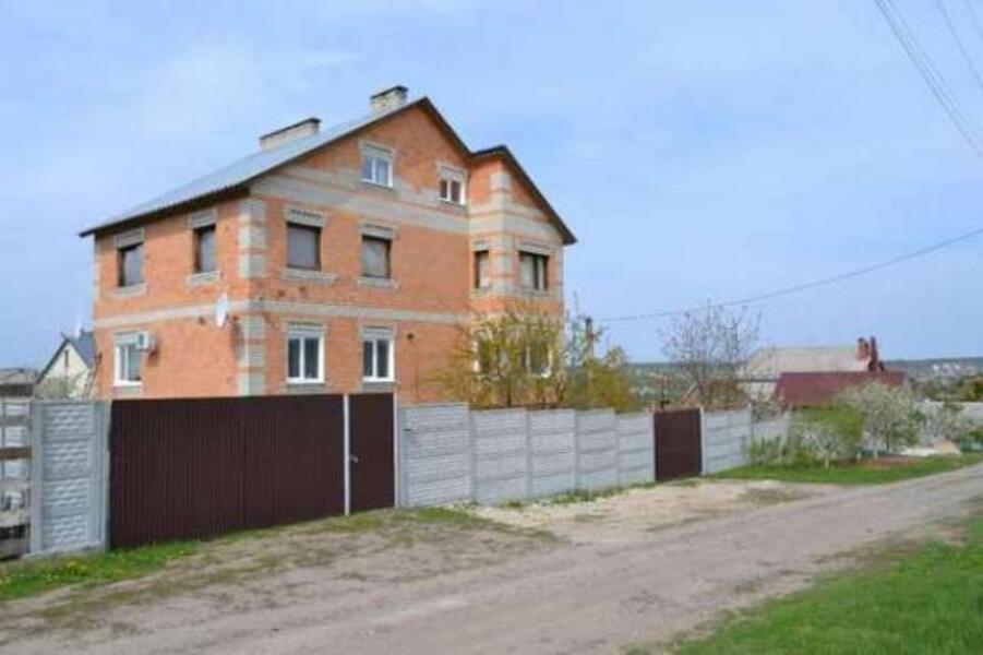 Дом, 8-комн., Пивденное (Харьк.), Харьковский район