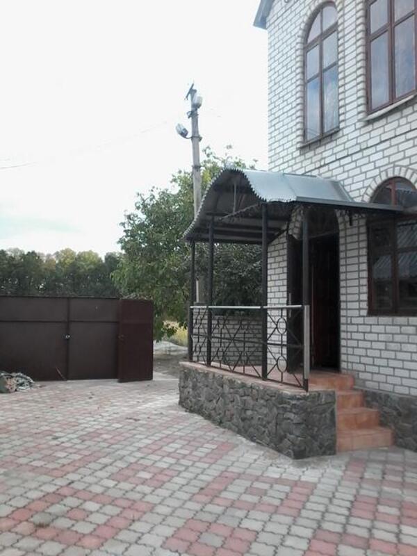 Дом, 7-комн., Змиев, Змиевской район