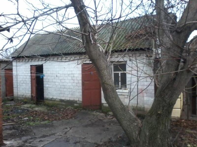 дом, Змиев, Харьковская область (413226 11)