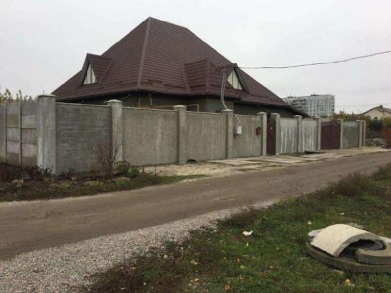 Дом, 3-комн., Харьков, Восточный