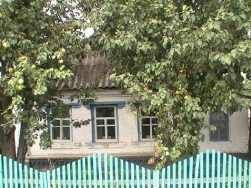 Дом, 2-комн., Приколотное, Великобурлукский район