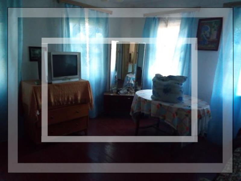 Дом, 2-комн., Александровка, Богодуховский район