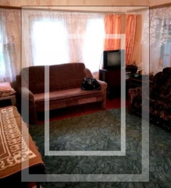 Дом, 2-комн., Золочев, Золочевский район