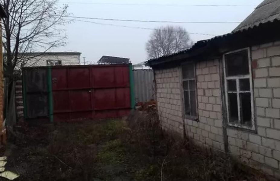 Дом, 5-комн., Золочев, Золочевский район