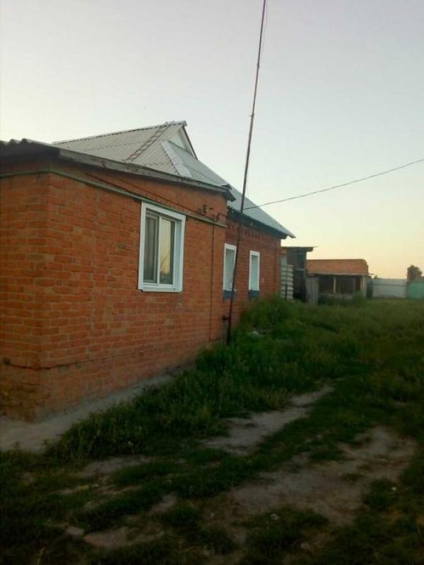 Дом, 4-комн., Петровка, Красноградский район