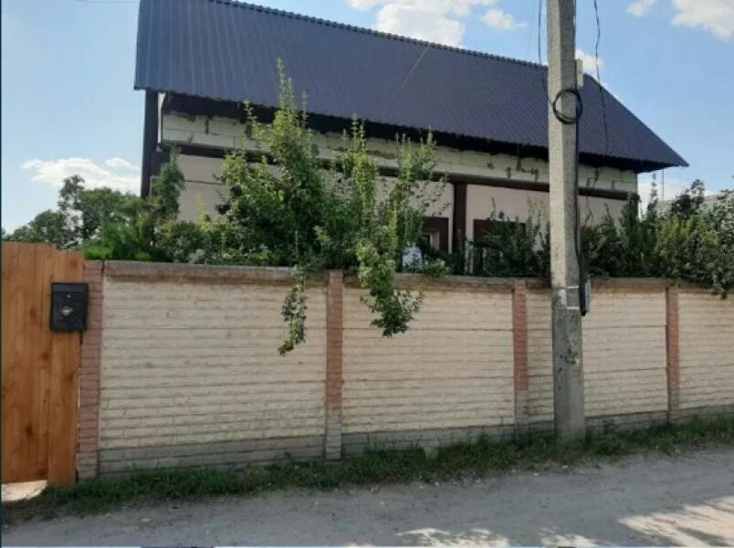 Дом, 3-комн., Харьков, Жихарь