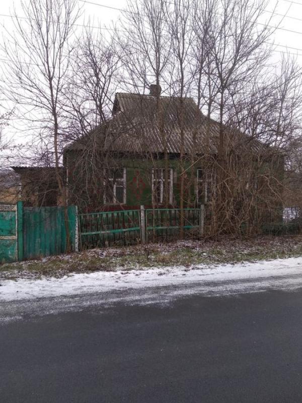 Дом, 4-комн., Золочев, Золочевский район