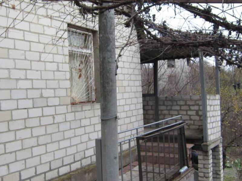 дом, 4 комн, Харьковская область, Золочевский район, Золочев, Дергачевское направление (194330 1)