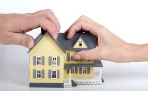 Что делать, если в наследство досталась часть квартиры? (nasledstvo01 300x186)