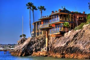 Покупатели все чаще инвестируют в недвижимость за границей (shh 300x200)